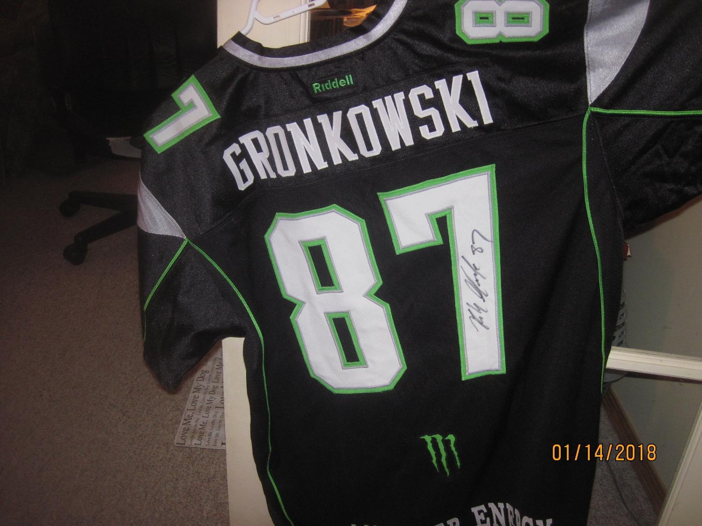 best service 31429 6566b Autographed Rob Gronkowski football jersey