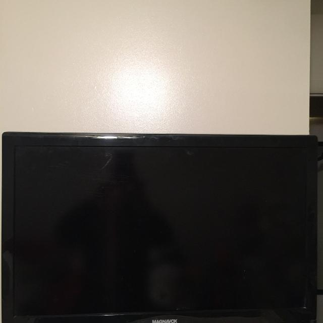 32 Inch Magnavox Tv With Built In Dvd Player Also Hdmi