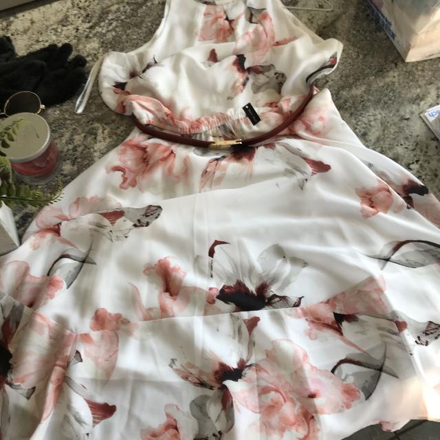 16524bb9276c Best White House Black Market Dress Size 8 Floral Dress for sale in  Appleton, Wisconsin for 2019