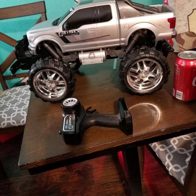 Huge remote control truck  Truck has rechargeable battery pack