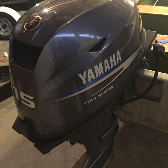 2010 Yamaha outboard 15 hp electric start