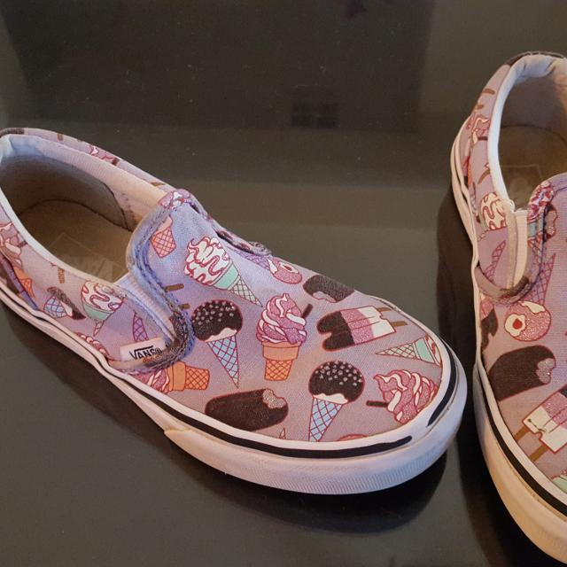 6b4ce2ff3b6 Find more Cute Vans For Girls Size 1.5 for sale at up to 90% off