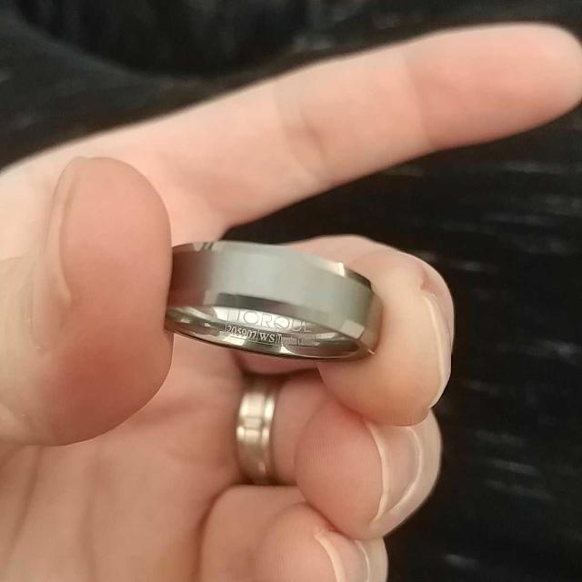 15de7d6958336 Tungsten carbide men's ring size 10