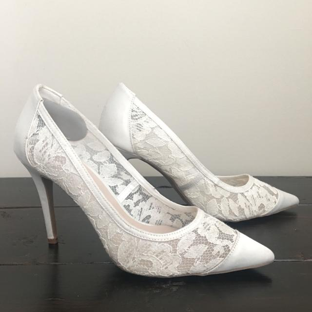 def0d4d38ff6 Find more White Lace Wedding Shoes heels for sale at up to 90% off