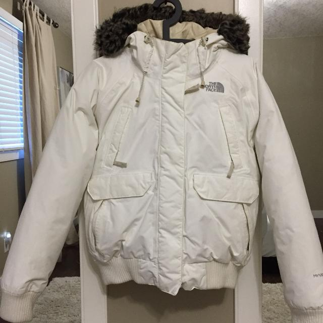 Best Women s Large Down North Face Bomber Jacket for sale in Calgary ... 7355e6e69