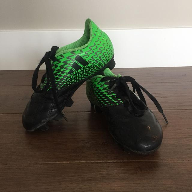 Find more Adidas Kids Soccer Cleats Size 11 for sale at up to 90% off 7ff62bc88974