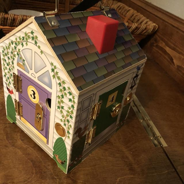 Melissa And Doug Wooden Doorbell House With Keys
