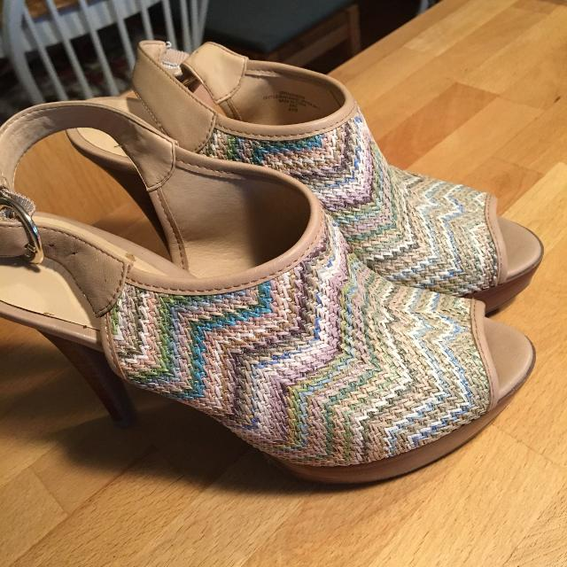 54ea059a4ac4 Best Gorgeous Nine West Summer Shoes  Sandals Size 61 2 for sale in Ladner