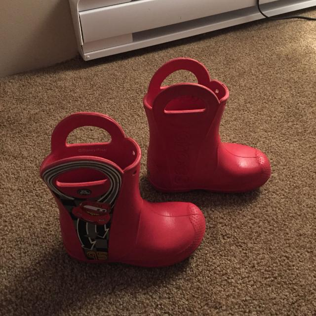 b37e316e174 Find more Guc Crocs Rain Boots With Lightning Mcqueen, Size 11 for ...
