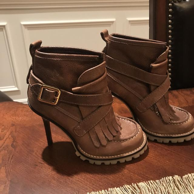 2929bcdddefd23 Find more Tory Burch Boots for sale at up to 90% off