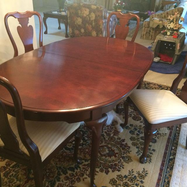 Best Dining Table 6 Chairs 57x 38x25 For Sale In Grand Rapids Michigan 2019