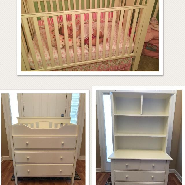 Vguc Nursery Furniture Changing Table And Dresser Hutch