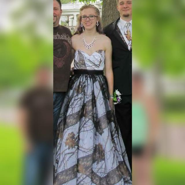 Best Prom Dresses for sale in Pekin, Illinois for 2018