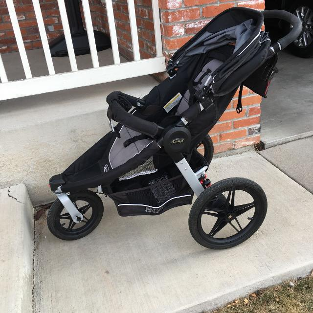 Graco Relay Click Connect Performance Jogging Stroller