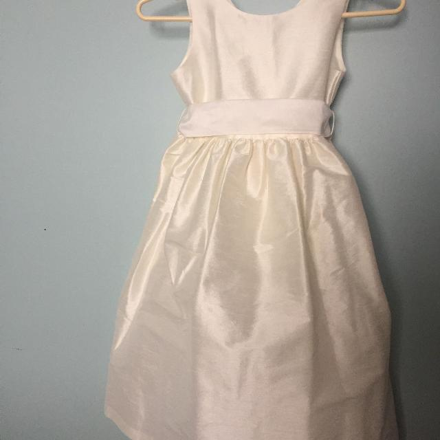 5536e384b9e Find more Flower Girl first Communion Dresses Size 7 And 10 12 for ...