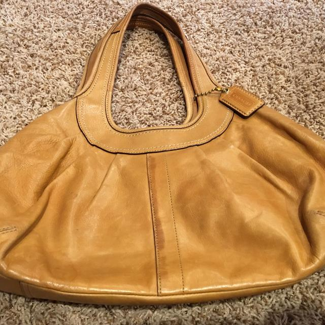 Coach Leather Handbag Camel Color Would Go With Anything
