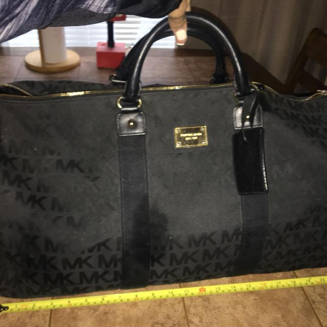 8ab7ea4caa41a1 Find more Michael Kors Large Weekender Duffle Bag Authentic! 225 ...