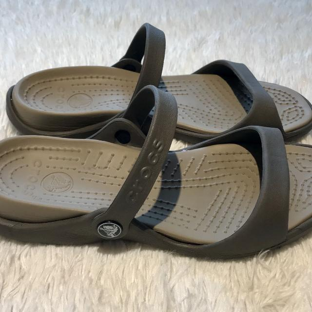 "fff10549a75 Find more Crocs ""cleo"" Slip One So Cute   Comfy Sz 8 Fit Like 7 ..."