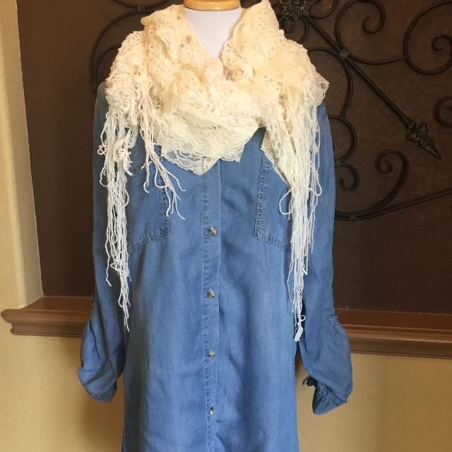62435ed32b1c Find more Gorgeous Cream Colored Long Lace & Fringe Ruffled Scarf ...