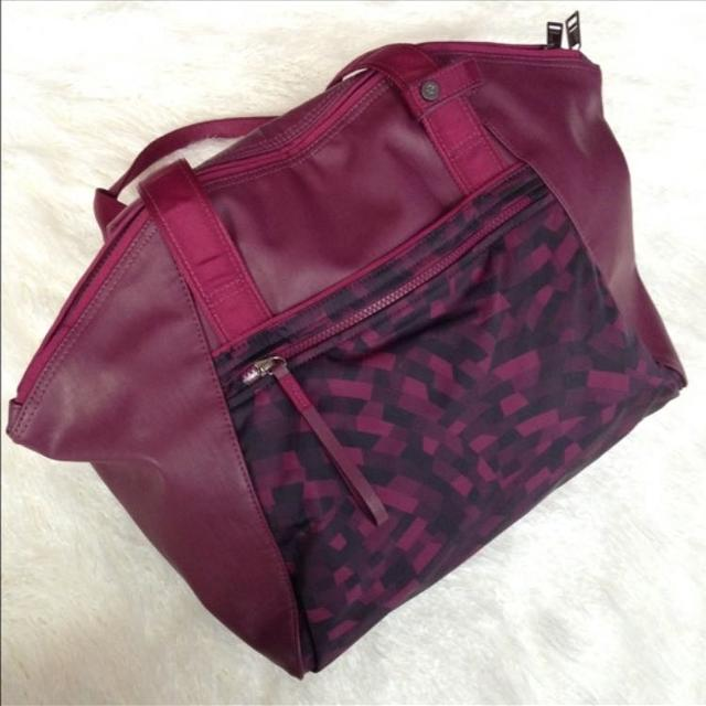 fc7d688c3b9c Best Lululemon Free To Be Gym yoga Bag for sale in Saanich Peninsula and  Gulf Islands