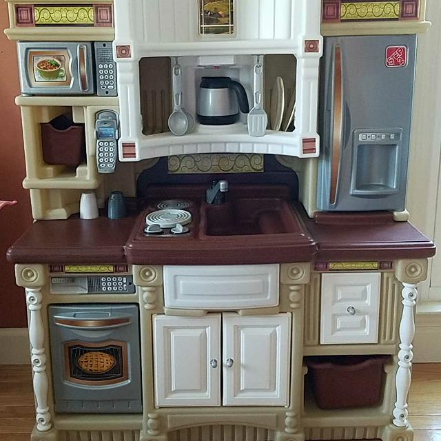 Awesome Step2 Play Kitchen Set
