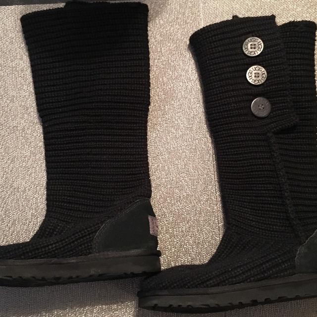 178230f5ba5 Ugg Women's Classic Cardy Boots Size 7