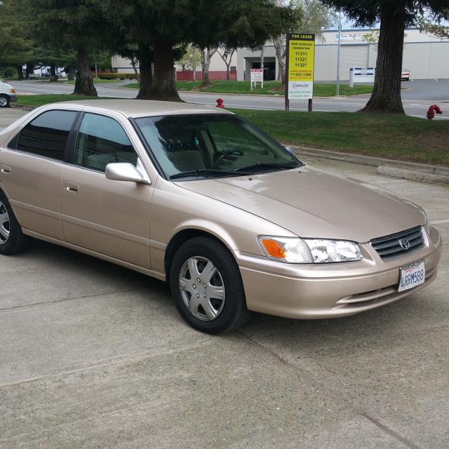 Toyota Elk Grove >> Find more 2000 Toyota Camry Le - Runs Great/clean Title ...