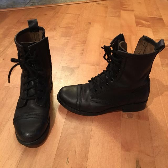 99ed1a7cbe7 Find more Steve Madden Boots for sale at up to 90% off