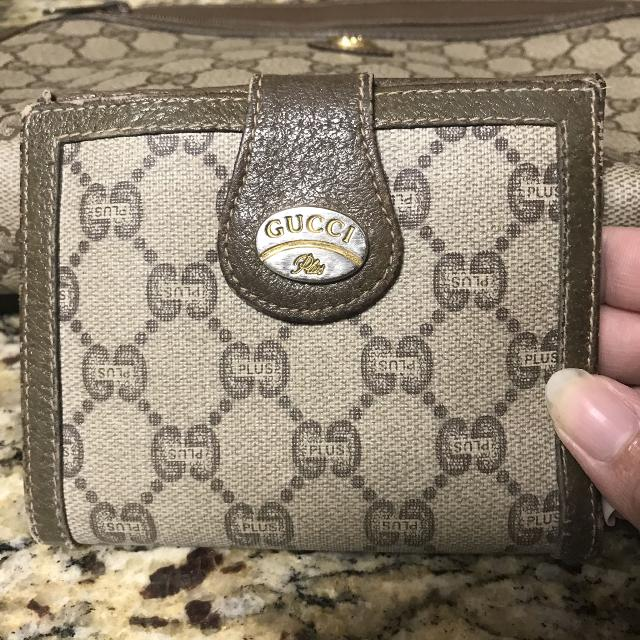 de34a8bf25b Find more Authentic Vintage Gucci Plus Wallet for sale at up to 90% off
