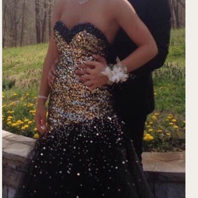 Best Black And Gold Corset Prom Dress Size 4 for sale in ...