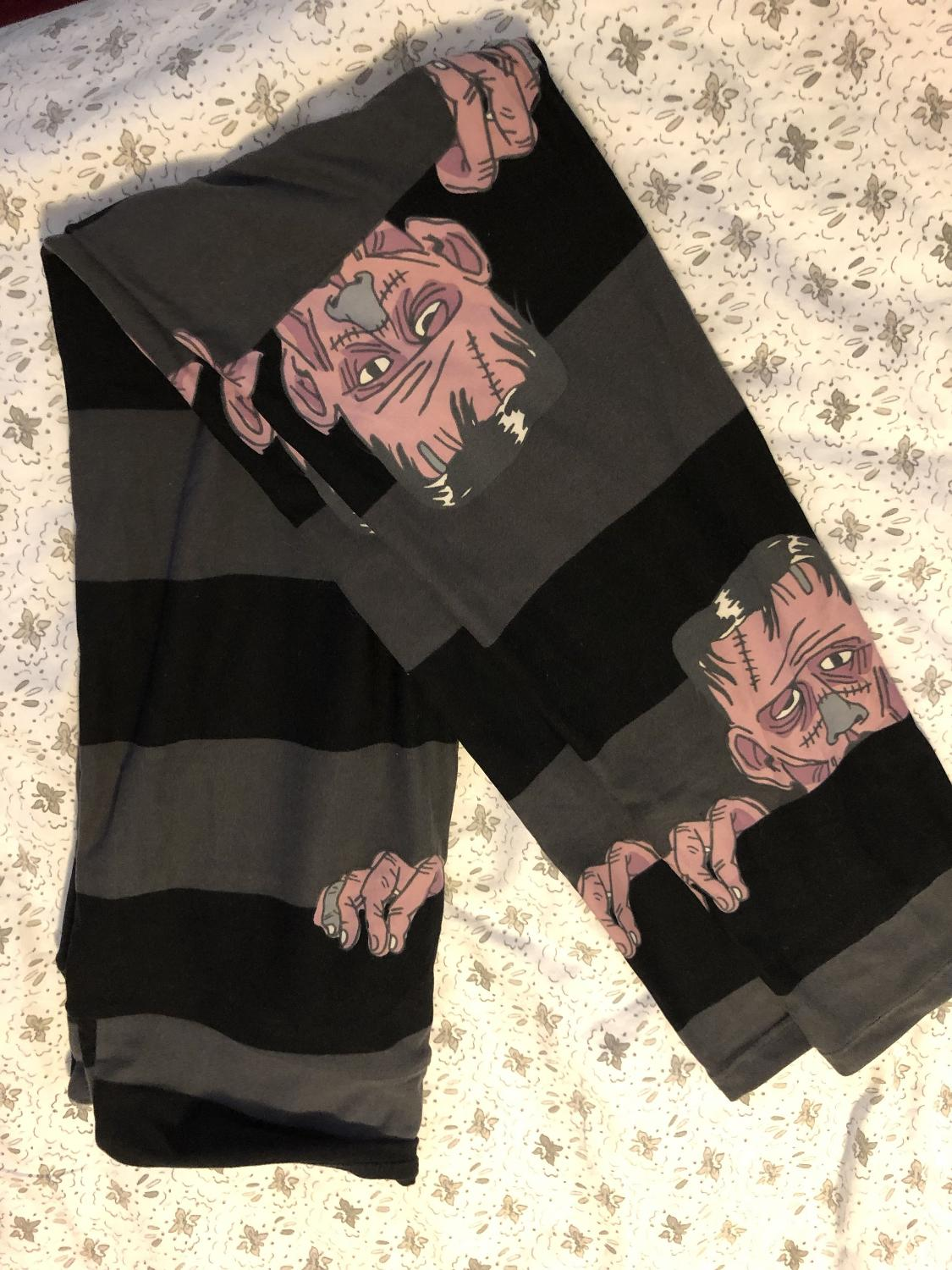 299ac49950637e Find more Os Lularoe Halloween Leggings for sale at up to 90% off