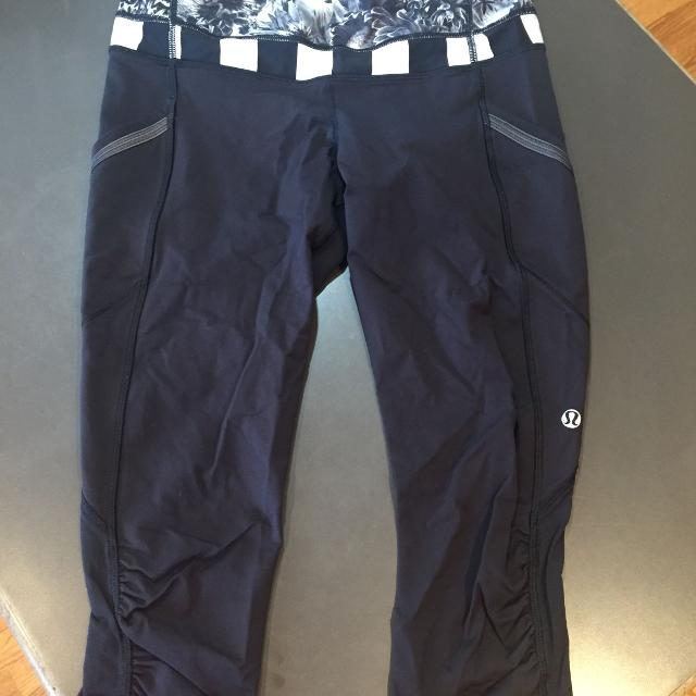 b085037a17 Find more Lululemon Leggings, Crop Black With White Stripe And ...