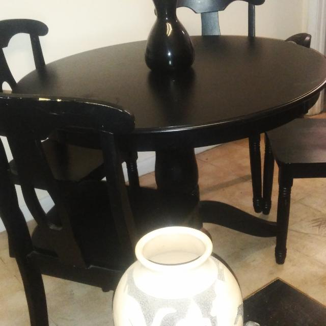 Black Dining Room Table With 4 Chairs Seller Can Meet Near Jacksonville FL
