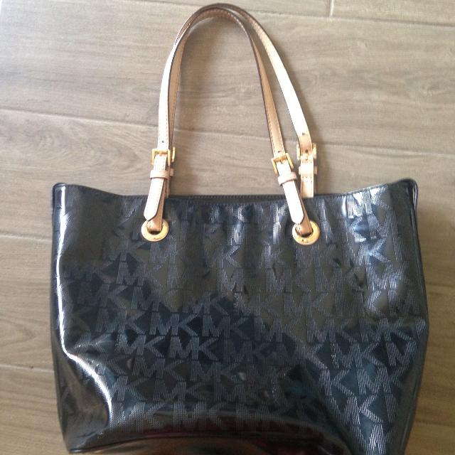 3840db63d7ce6c Best Michael Kors Black Purse for sale in Friendswood, Texas for 2019