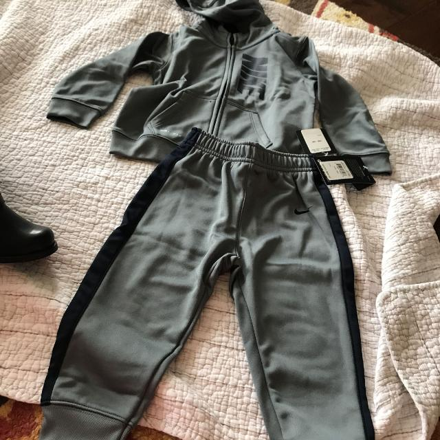 4be47ae73 Find more Nwt Nike Jogging Outfit Toddler Boys Size 24 Months