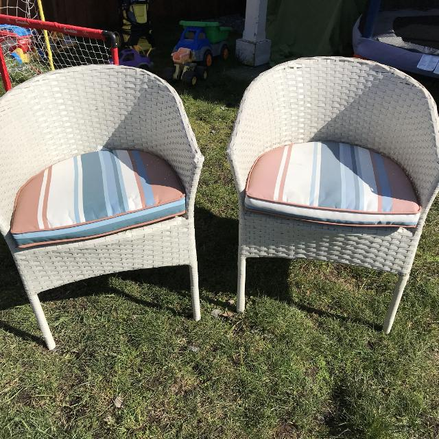 Find More Vguc Resin Wicker Bistro Chairs For Sale At Up To 90 Off
