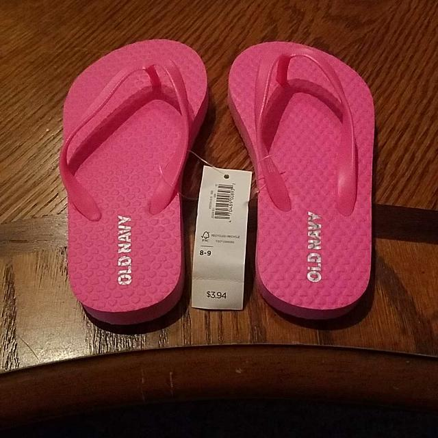 ba7705efb028 Find more Toddlers Old Navy Flip Flops Size 8 9 New With Tags Asking ...