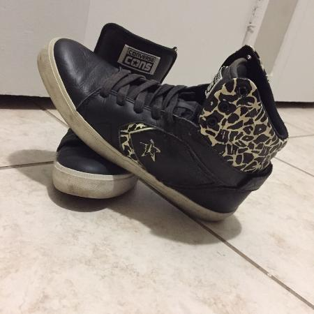 Used, Ladies converse shoes (8.5) for sale  Canada