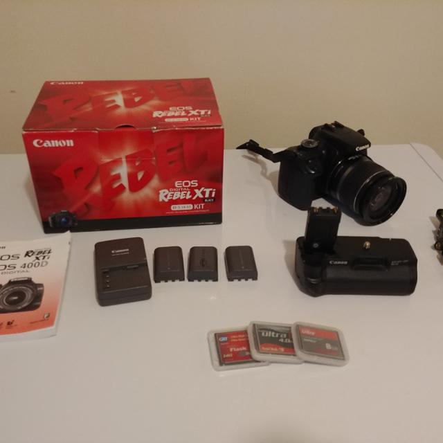 Canon Rebel xti with lens and extras