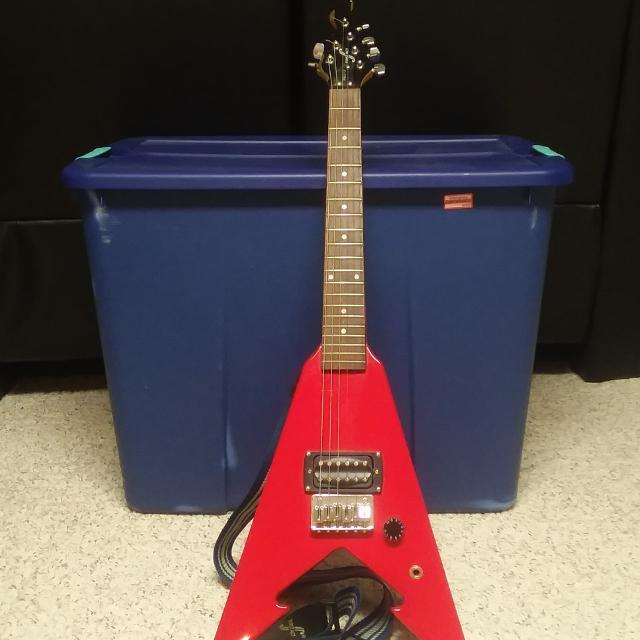 Best First Act Youth Electric Guitar Me273 Flying V For In Rockford Illinois 2019