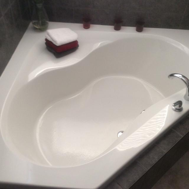 Find more Corner Soaker Tub for sale at up to 90% off
