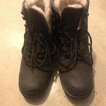 Uggs for men size 9 for sale  Canada