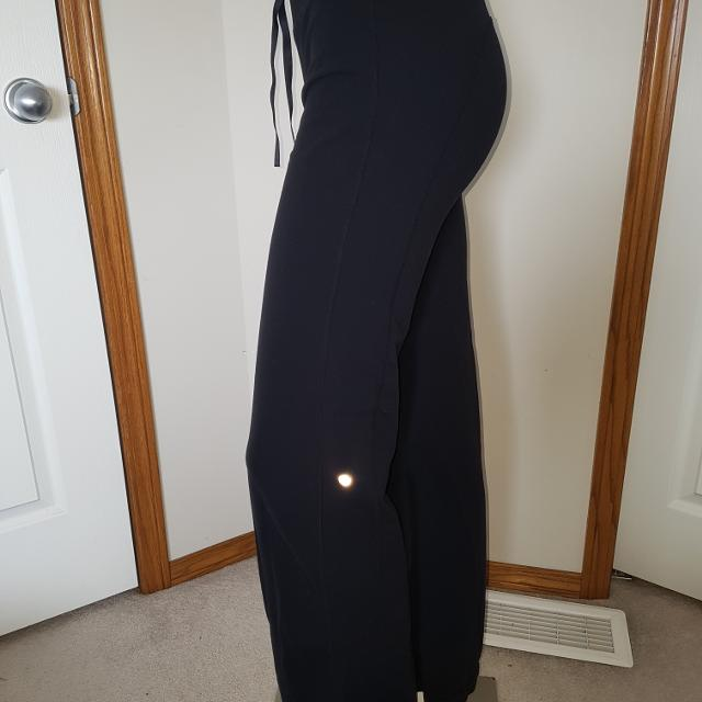 7a1565ea23 Find more Lululemon Size 6 Straight Leg Pants for sale at up to 90% off