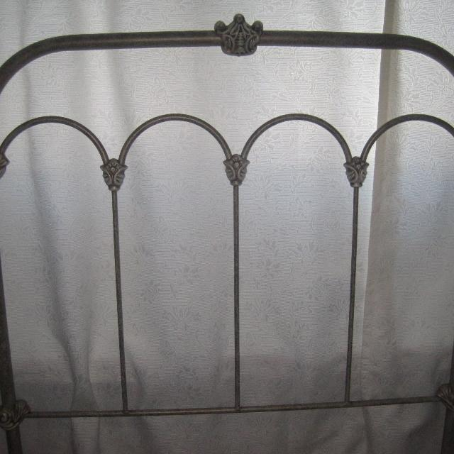 Twin Bed Set With Simmons Mattress Box Spring Metal Wheeled Frame And Antique