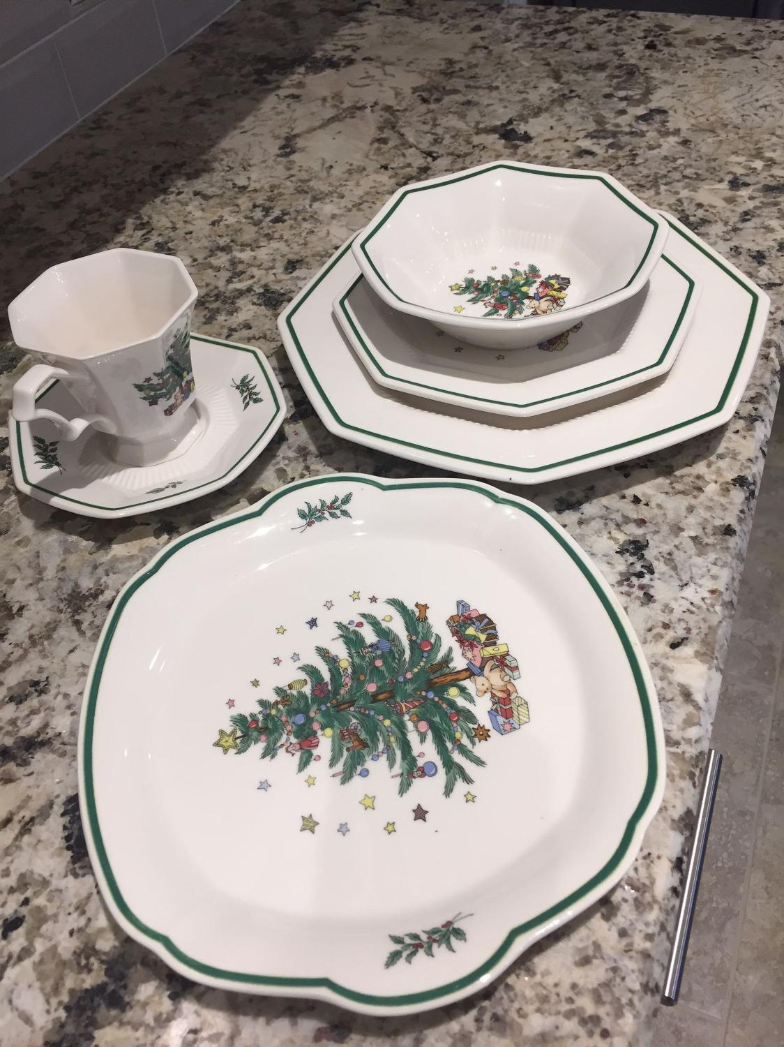 Best Christmas China for sale in Baton Rouge, Louisiana for 2018