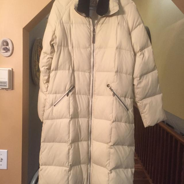 Best Ugg Down Long Coat Size Medium For Sale In Airdrie