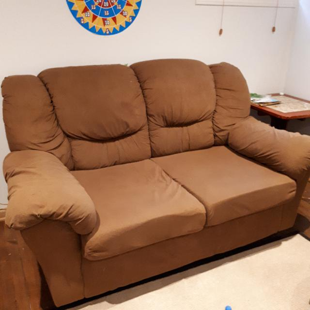 Free Sofa To Pick Up This Week End