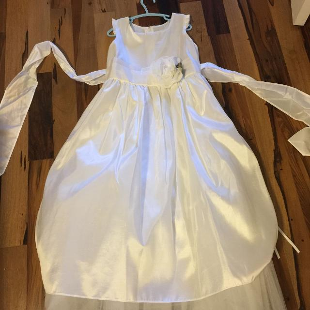 7b9f48ff8e4 Find more Size 8 Flower Girl   First Communion Dress for sale at up ...
