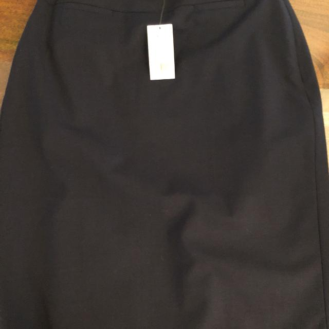 c60d357b03c Best Banana Republic Size 2 Navy Skirt Brand New With Tags for sale in  Vancouver