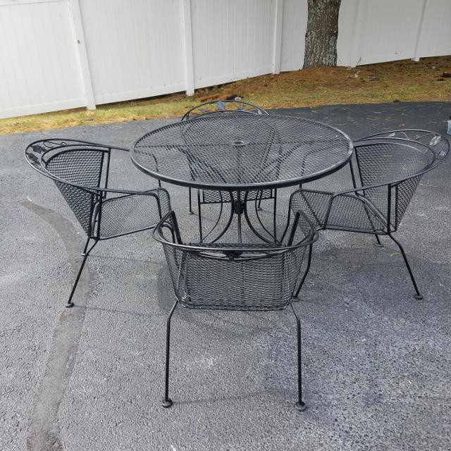 Wrought Iron Patio Table W 4 Chairs